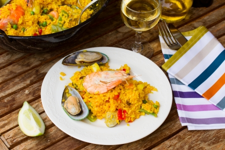 marisco: Paella, traditional spanish dish  served in plate