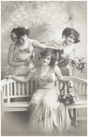 fashion photos: old photo  of  three young women