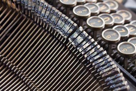 maquina de escribir: de cerca los detalles de la m�quina de escribir vieja de la vendimia