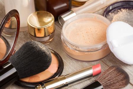 loose skin: Basic make-up