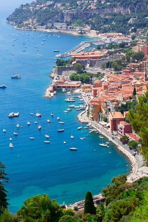 villefranche sur mer: Coastline and turquiose water of cote dAzur, France