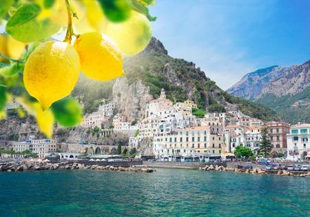 Amalfi town embankment and Tyrrhenian sea waters with lemons, Italy Banco de Imagens