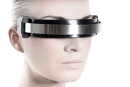 vision future: Beautiful cyber vrouw gezicht geïsoleerd op witte achtergrond Stockfoto