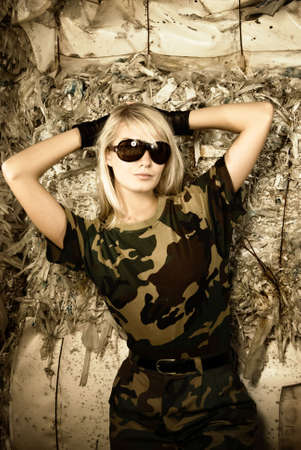 camouflage woman: Beautiful female soldier