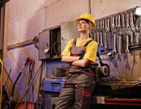 fabrikarbeiter: Weibliche Fabrikarbeiter