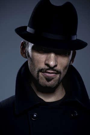 caballeros: Misterioso retrato retro hombre