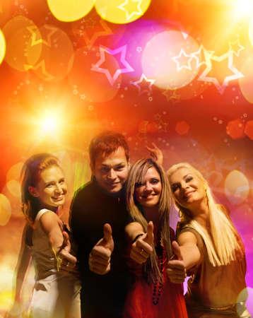 night club: Amigos felices en el club de noche   Foto de archivo