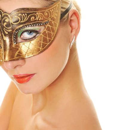 maquillaje fantasia: Mujer joven encantadora con m�scara de Carnaval en su cara   Foto de archivo