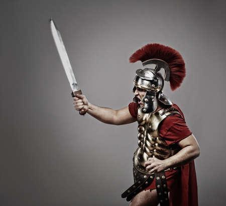 cascos romanos: Legionario soldado listo para una guerra