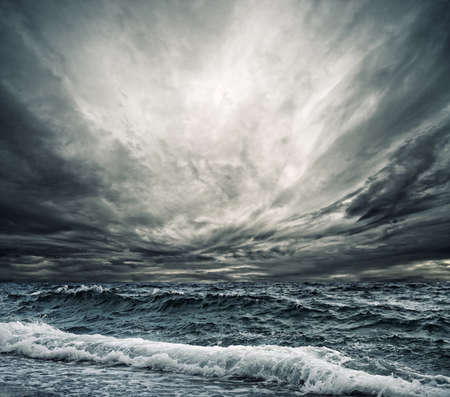 temp�te: Vague oc�an Big briser la rive