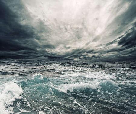 breaking wave: Ocean storm