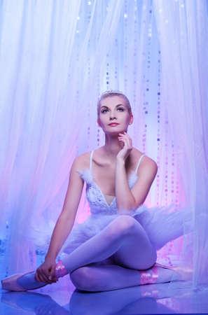 Beautiful ballet dancer Stock Photo - 9027207