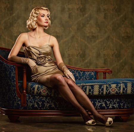 donne eleganti: Ritratto retr� bella donna