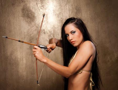 arco y flecha: Arquero de Amazonas hermosa