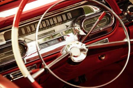 coche antiguo: Interior coche vintage. Foto de archivo