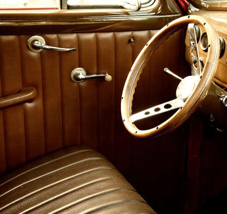 coche clásico: Interior coche vintage. Foto de archivo