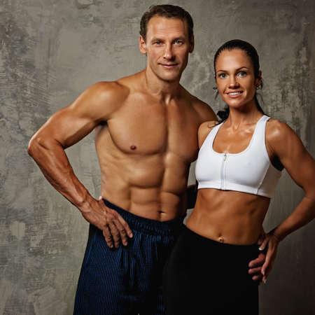 bodybuilder training: Beautiful athletic couple.