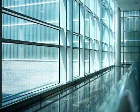 verre: A l'int�rieur du b�timent moderne. Banque d'images