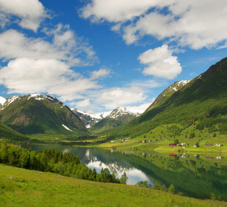 Lake in norwegian mountains Stock Photo - 15197678