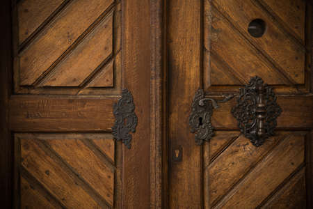 Old wooden door Stock Photo - 17652779