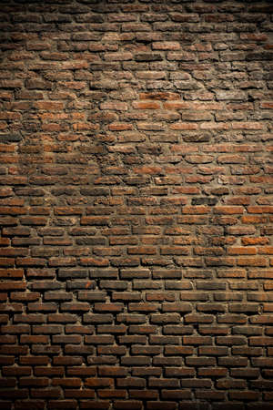 crack wall: Old brick wall background