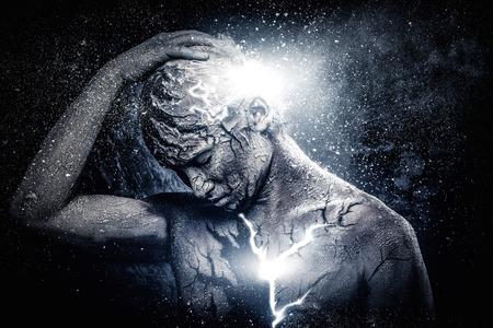 Homem com arte conceitual corpo espiritual