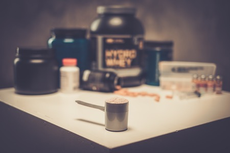 Bodybuilding nutrition supplements and chemistry Stockfoto