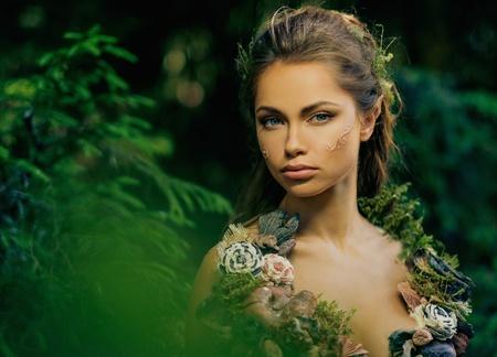 Elf woman in a magical forest Standard-Bild