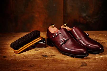 신발 케어 남성 가죽 신발 및 액세서리와 함께 아직도 인생 스톡 콘텐츠