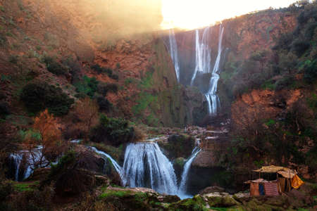 Berber Dorf in der Nähe von Ouzoud Wasserfall in Marokko Standard-Bild - 78788625