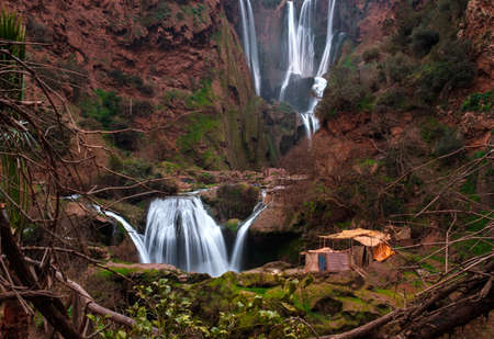 Berber Dorf in der Nähe von Ouzoud Wasserfall in Marokko Standard-Bild - 78788674