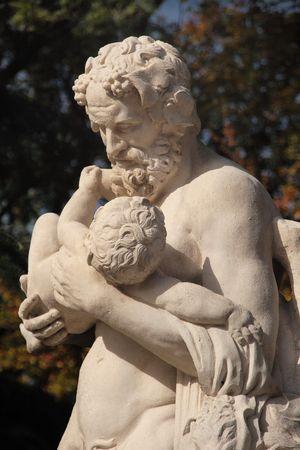 ne: Silène carrying Dionysus (antique statue)