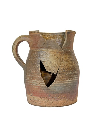 broken pot, a symbol of violence and failure
