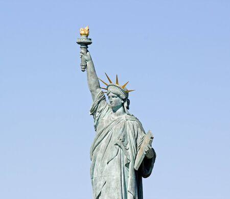 statue of Liberty  Paris le aux cygnes France