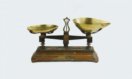 herbolaria: franc�s antiguo con un peso de kilo kilogramo en franc�s, escala para el comercio de semillas, herboristeria s Foto de archivo