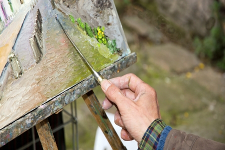 Main de peintre, dans le travail, Montmartre Paris France Banque d'images - 19728625
