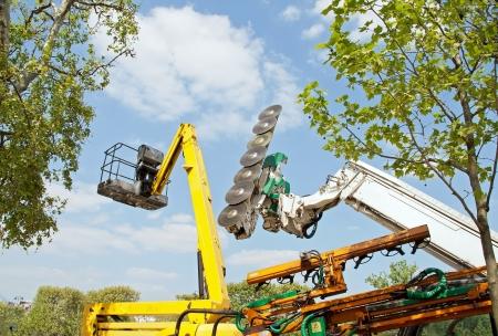 urban gardening: Machine to cut trees and nacelle, equipment for urban gardening