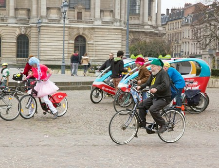 conviviality: The Velorution Lille (59 Nord, France) Saturday, March 14, 2015, in front of the Palais des Beaux Arts. Carnival bike, to promote the use of means of clean personal transportation (cycling, roller skating, skateboarding).