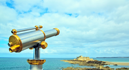 st malo: Saint-Malo, telescope pointing nationals fort Brittany France. Stock Photo