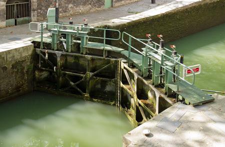 saint martin: Lock Canal Saint Martin Paris