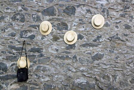 """Les chapeaux de mur hommes """"luges"""", près de l'église de Nossa Senhora do Monte, Madeira (Portugal). Banque d'images"""