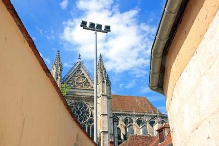 Cathédrale St Etienne entre les murs, Auxerre (France) Banque d'images