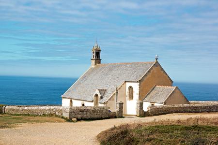 La pointe de Van, la chapelle Saint Ils (17 e siècle) (Clden, Finistère, Bretagne, France) Banque d'images
