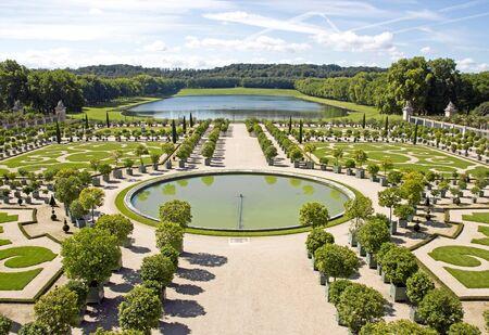 L'orangerie, le château de Versailles en été (Versailles France)