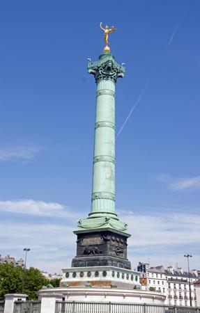 La Colonne de Juillet et le Génie de la Liberté (Paris France). Banque d'images