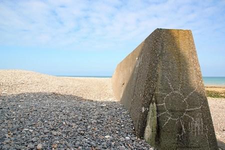 Un soleil sur le béton. Plage de Sainte Marguerite sur mer (Baie de Somme France) Banque d'images