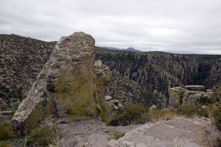 The park of Chiricahua, one day of bad weather - Arizona- Banco de Imagens - 102702384
