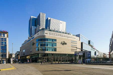 Coronavirus lockdown. Frankfurt, Germany. April 5, 2020. Shopping centre on the Zeil pedestrian area during quarantine. Long shot.