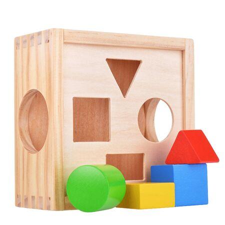lógica: cuadro de juego de la lógica de madera con figuras