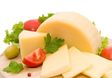 latte fresco: Formaggio su sfondo bianco